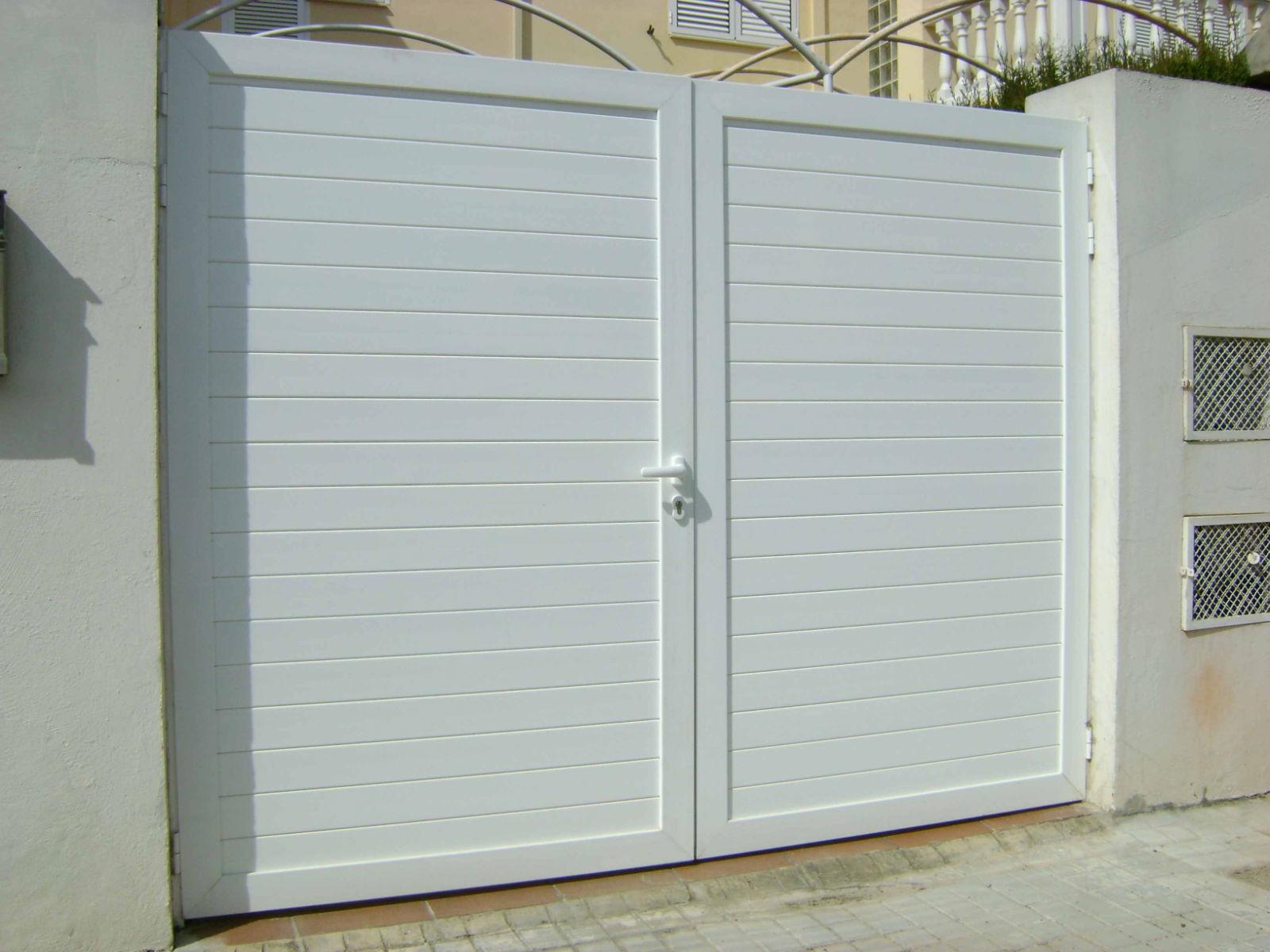Cristaleriabcn cristaleros y carpinteria de aluminio en for Puertas en aluminio