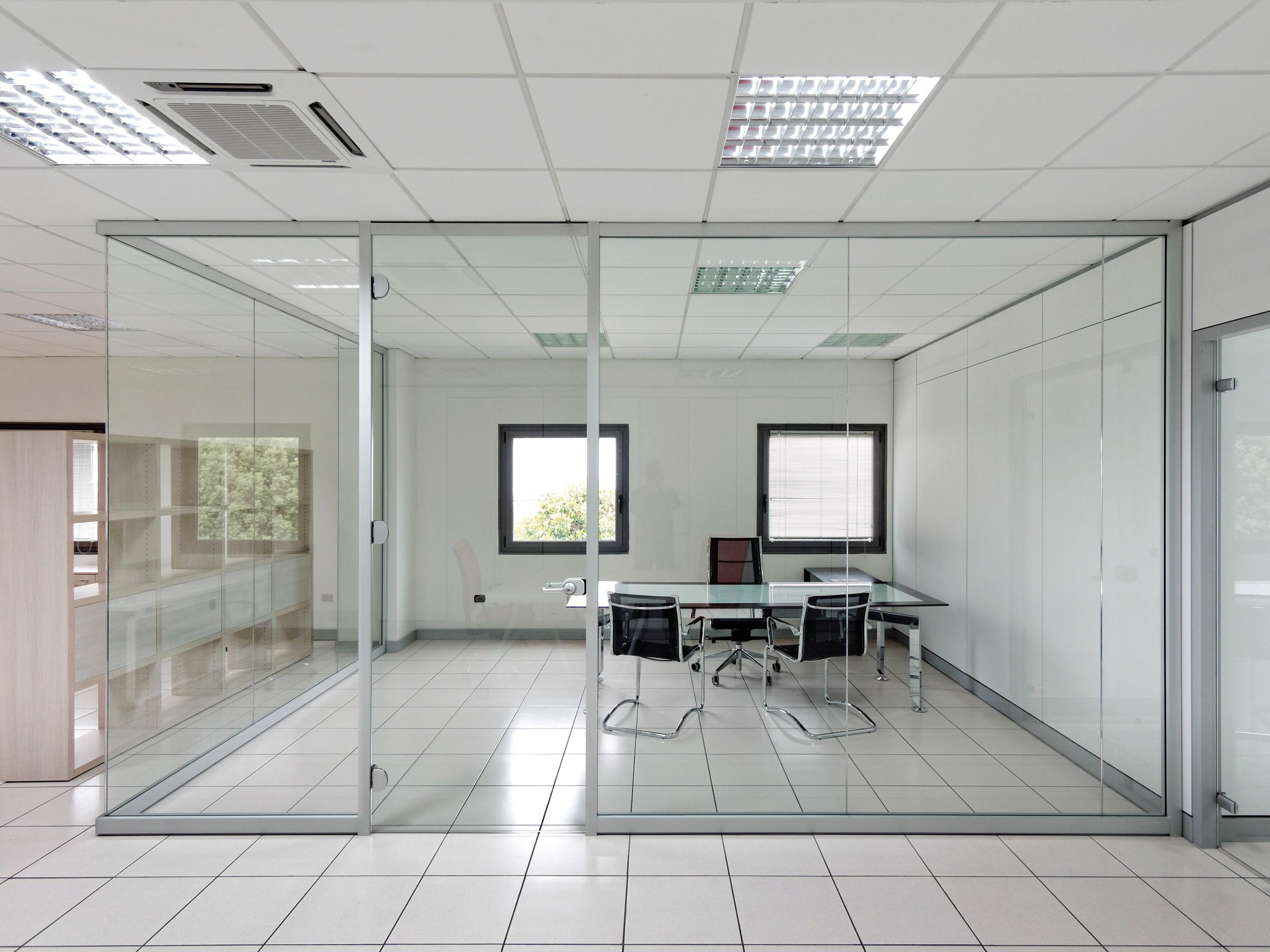 Cristaleriabcn cristaleros y carpinteria de aluminio en barcelona - Oficina empleo barcelona ...