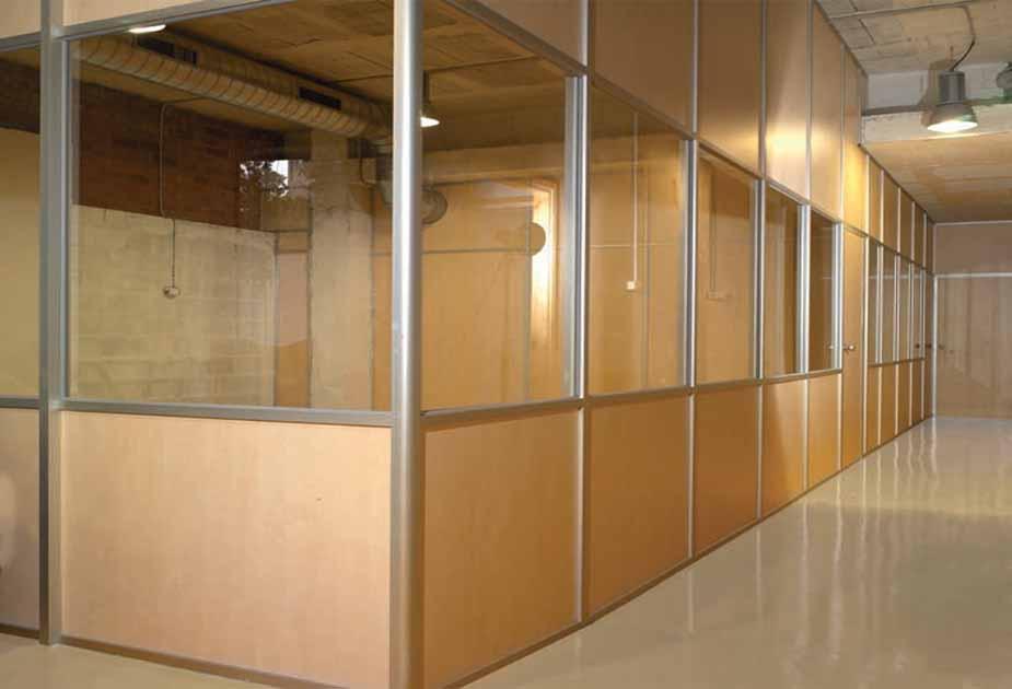 Cristaleriabcn cristaleros y carpinteria de aluminio en for Mamparas de oficina