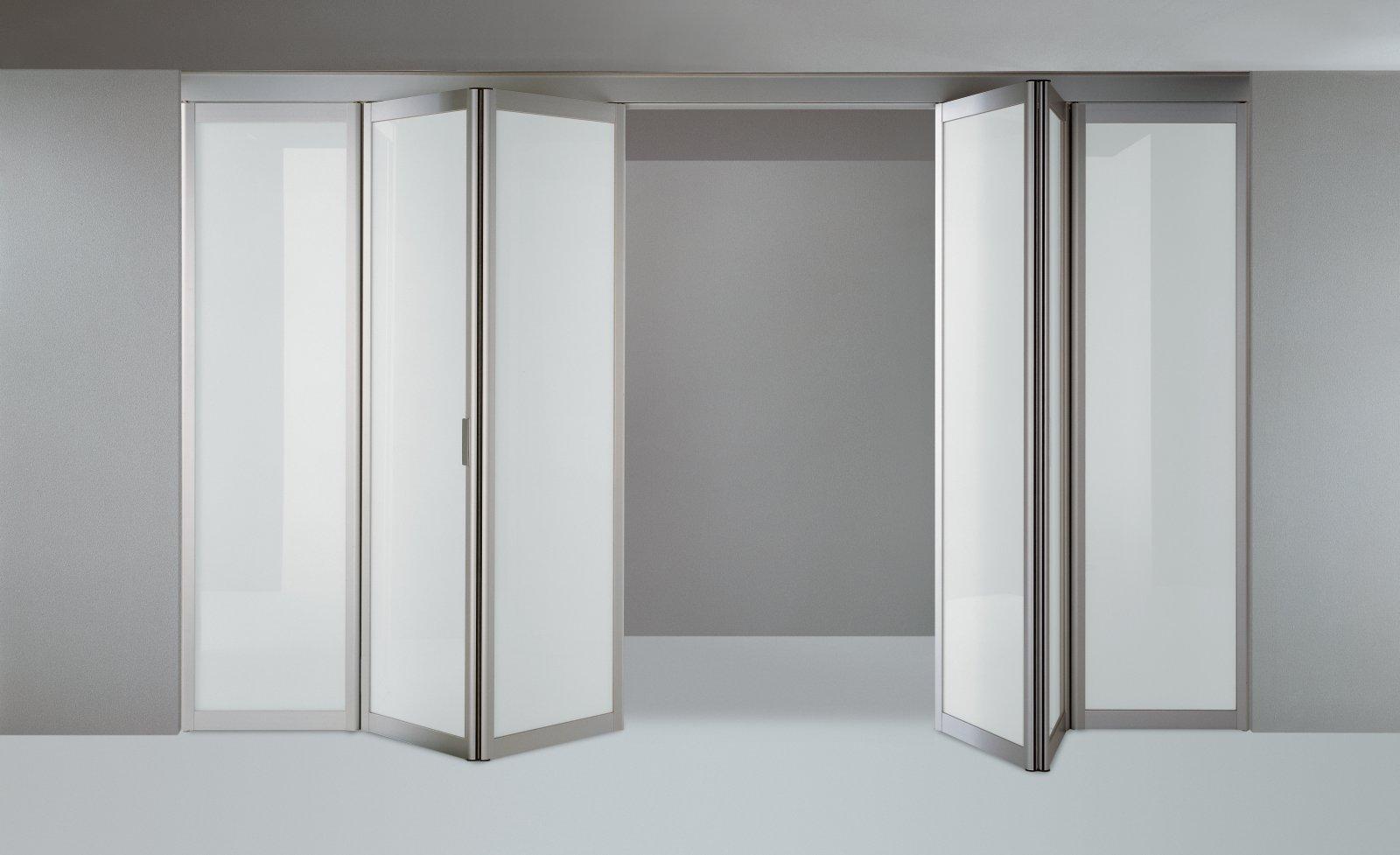 Cristaleria bcn cristaleros y carpinteria de aluminio - Puerta de cristal abatible ...